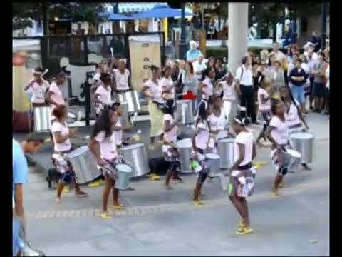 2011 08 09 ARTE EN LA CALLE ''BUTACADA BLOCO MALAGASY'' GIJON