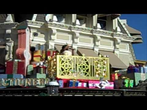 youtube disney christmas parade 2010 world