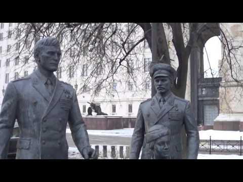 Памятник героям фильма - ОФИЦЕРЫ.