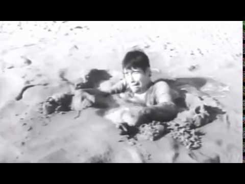 lls sont nus.  1965.  Quicksand scene.