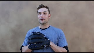 David Robertson Talkin' Pants (and Wilson Gloves)