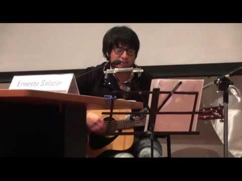 """Ernesto Salazar interpreta su tema """"Child"""" seguido de un cover de """"Here comes the sun"""""""