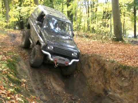 4x4 Daihatsu feroza - YouTube