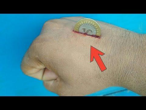 सिक्का हाथ के आर-पार निकालने का जादू सीखें   Coin Through Hand Magic Trick Revealed