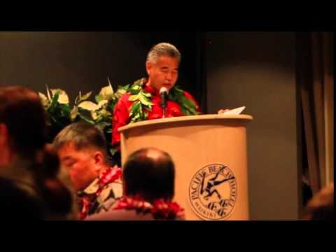 Governor Ige Speaks with the Young Democrats