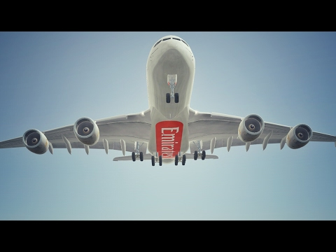 Infinite Flight Emirates Airbus A380 landing at Los Angeles