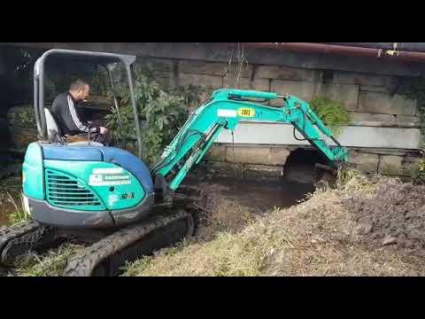 Comezan os traballos de limpeza no regato de Fontesanta