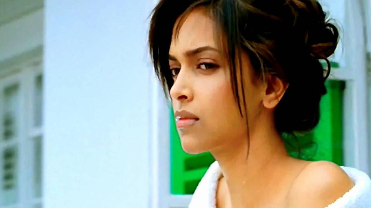 Deepika Looks Stunningly Beautiful In Desi Boyz Youtube
