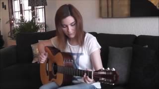 Гитара  Девушка играет Отель Калифорния