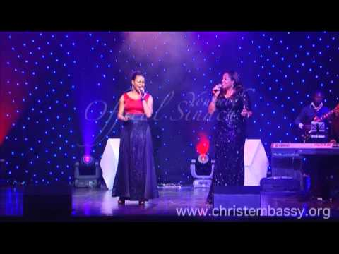 I HUMBLY BOW -SINACH FT SOPHIE.