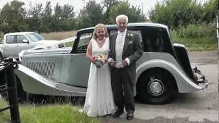 1937 DERBY BENTLEY Martin & Caroline Sanderson wedding BRIDE ARRIVING AT CHURCH