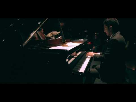 Emmet Cohen plays