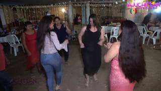 la chica de negro hermoso baila-*-Pasito de potranca !!_Como una maestra de baile