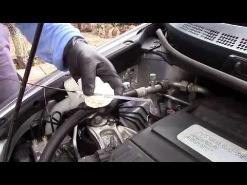 Checking the oil on a 2009 Honda Civic Hybrid