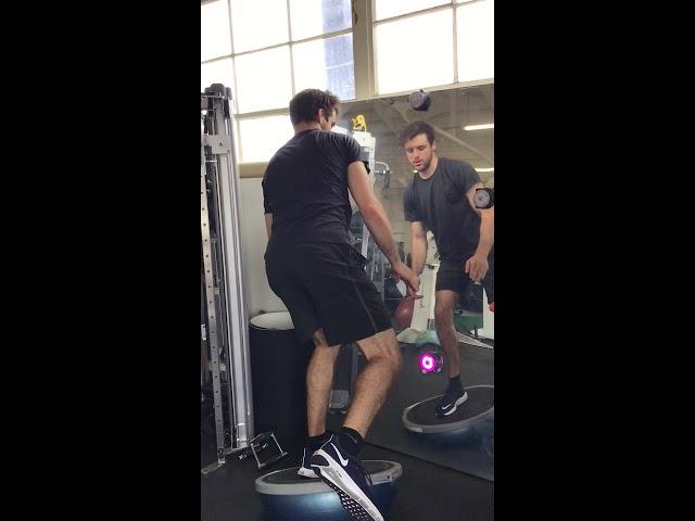 Single Leg Balance With Peripheral Opposite Arm Reach