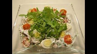 Вкуснейший салат из языка с перепелиными яйцами,помидорами черри и рукколой