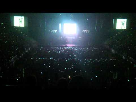Chris Brown F.A.M.E tour - Opening (Melbourne)