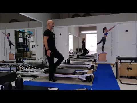Trabajo de gluteos desde distintos ejercicios en reformer. Studio pilates lugo