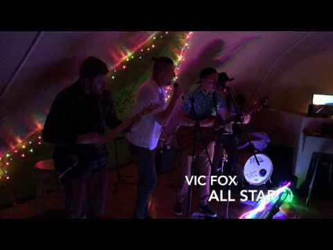 VIC FOXAll Star Smash Mouth