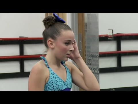 Dance Moms - Kendall has a panic attack!! (Season 4 Episode 4)