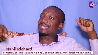 Rose Muhando Amsikitisha Nabii Richard Godwin/Wasanii Waonywa kuhusu Mamanager....... Tazama Hapa