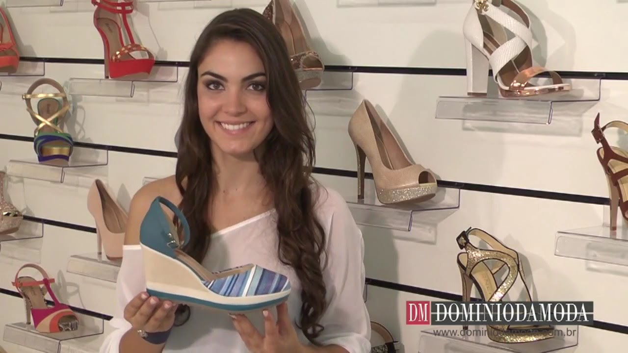 De sandalia azul da marca moleca - 1 part 1