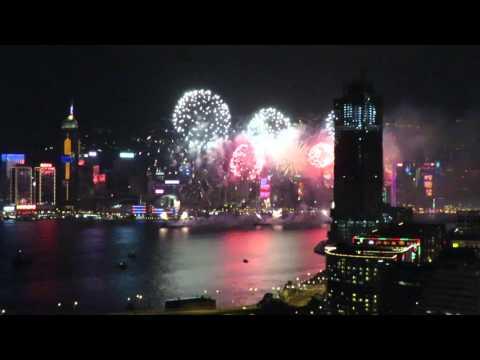 Салют в Гонконге на китайский новый год 2016