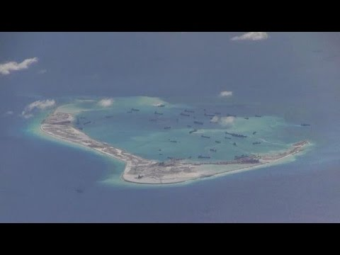 US spy plane surveys Chinese 'islands'