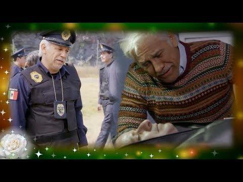 La Rosa de Guadalupe: Migue honra a su hijo siendo policía | Jugar al policía