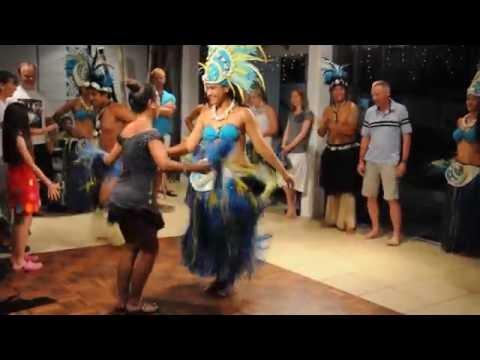 Bailando en Rarotonga, Cook Islands / Dancing in Rarotonga