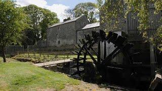 Avec la crise du coronavirus, les vieux moulins reprennent du service