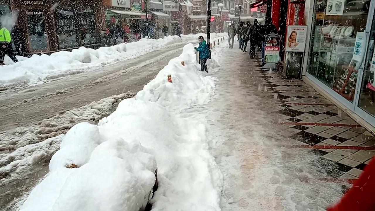 Kar yağışı nedeniyle kapanan 56 köye ulaşılamıyor!