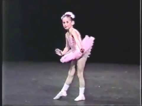 Classical ballet dance of 5yrs old girl