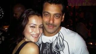 Ameesha Patel Visits Salman Khan On The Sets of