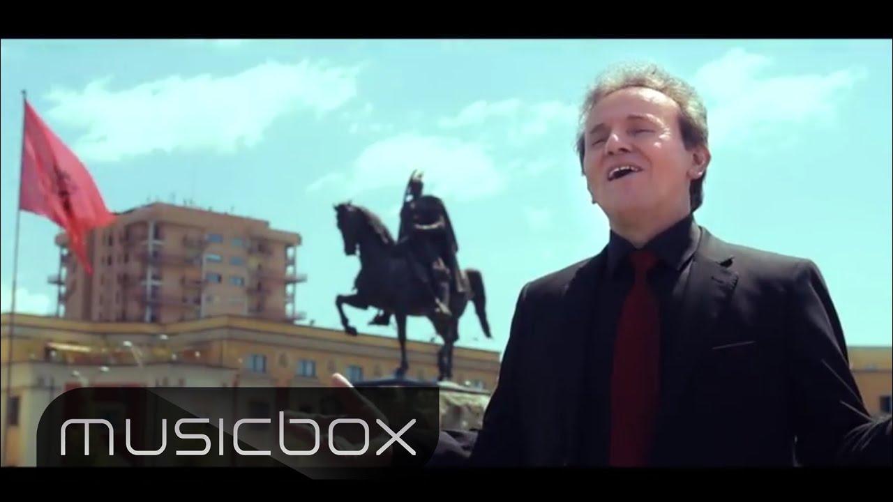 """Shaqir Cërvadiku - """"Shqip shqip-Kuq e zi"""""""