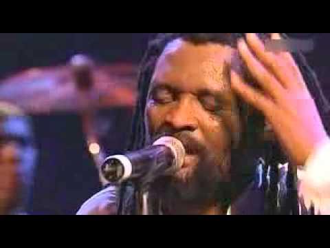 Lucky Dube - Romeo (Live, 2005).flv