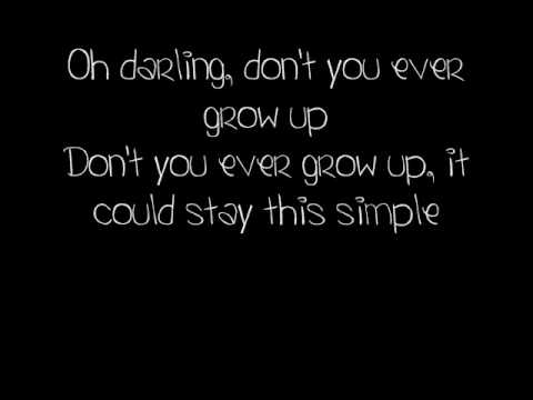 Never Grow Up - Taylor Swift lyrics