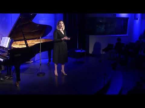 Soprano Nicole Thomas and Pianist Chris Reynolds Perform Mahler's 'Liebst Du Um Schönheit'
