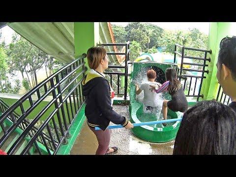 Dos Supremos Water Slide at Splash Island