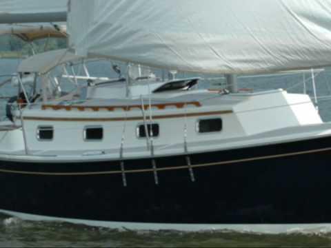 Com Pac 27 sailboat company video