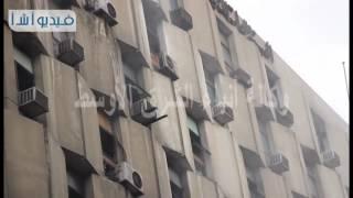 بالفيديو.  حريق هائل داخل مبنى هيئة التأمينات الاجتماعية وسط القاهرة