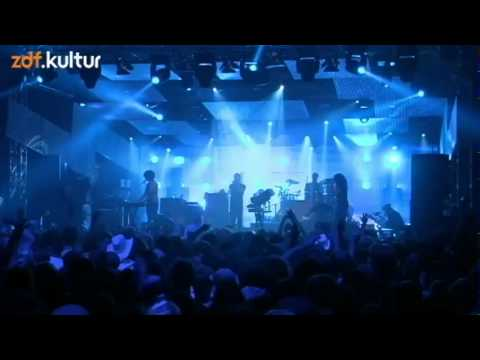 M83 - 01 - We Own The Sky (MELT! 2012)