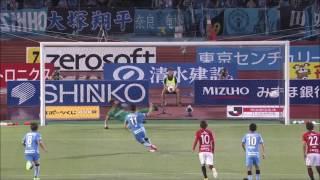 小林 悠(川崎F)のPKはポストを叩きながらもゴールに吸い込まれ、自身...