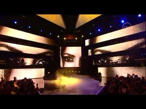 Shakira - She Wolf (Live) NBA All Stars Game (HD)