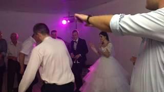 Батл на свадьбе отца невесты против жениха под ''Мама Люба' давай'