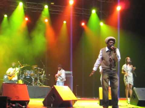 Barrington Levy Cocoa Tea Gregory Isaacs LIVE