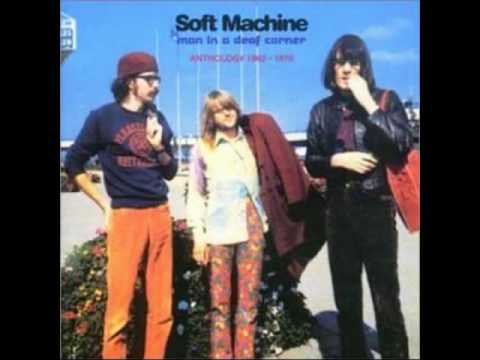 soft-machine-as-long-as-he-lies-perfectly-still-live-anthology-1963-1970-disc-2-giovannino-senzapaura