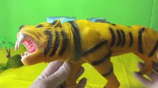 animal kingdom: big cats lion leopard tiger unboxing toys plastic animals