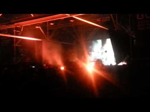 Gold Panda - Vanilla Minus intro @ Robot Festival