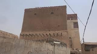 شاهد بالفيديو .. قصف المليشيات الحوثية يطال منازل المواطنين في حيس